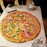 Jugendstunde mit Riesenpizza