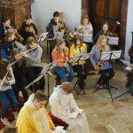 Kapelle Kunterbunt gestaltete Sonntagsmesse